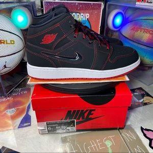 🆕Air Jordan 1 Mid GS SE 'Fearless' - Size: Wm 7.5